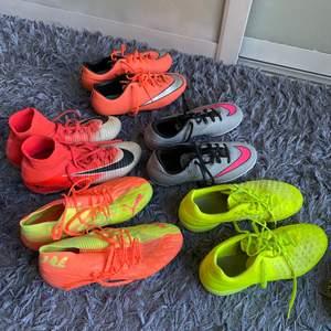 Intressekoll på fotbollsskor? Limegröna Nike futsal: strl 39, gråa/rosa nike futsal: strl36.5, coralfärgade Nike konstgrässkor:strl 36.5, rosa/vita Nike grässkor strl:39, limegrön/rosa puma grässkor: strl 39