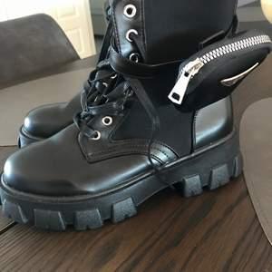 Prada replika boots- storlek 39- NYA!!