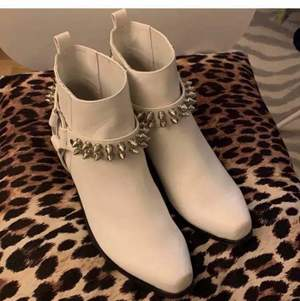 Current mood boots size 40 - used once