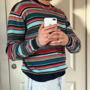 Jättefin randig tröja från Sand! Superfint skick och i princip oanvänd. Gjort i olika ull. Köpare står för frakt 💞.