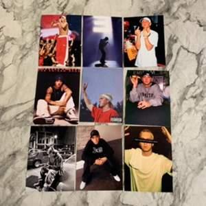 Fina foton på Eminem och Travis scott🎤✨ Fotona är styva, glansiga och 11x15 cm stora👼🏻 10kr st