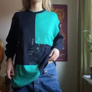 En fin tröja!! Står ingen storlek men uppskattar att den passar xs-l (jag är en 34-36)