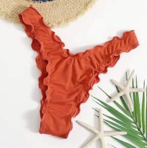 Säljer dessa helt oanvända bikini trosor från shein. Jag har redan ett par. Köpt för 69 säljer för samma (: