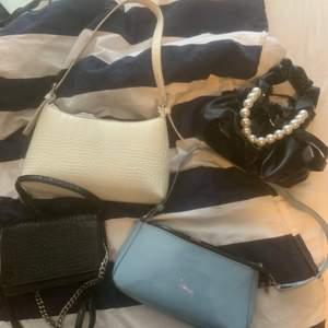 Säljer dessa fyra väskor, separat eller tillsammans. Buda💗🧚🏼♀️🧚🏼♀️🧚🏼♀️