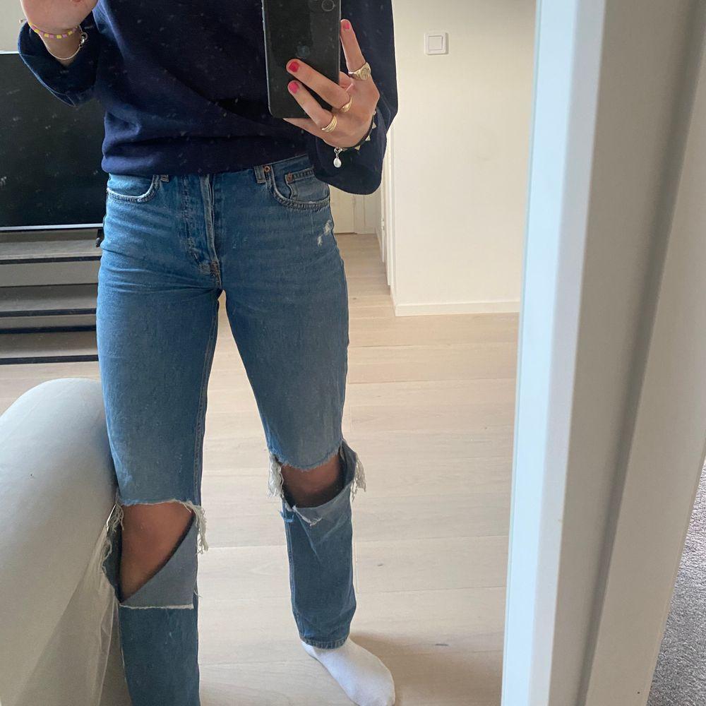 Fina hm jeans, i bra skick💗 skriv vid fler frågor. Jeans & Byxor.
