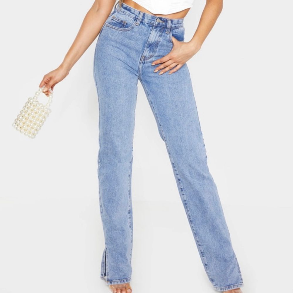 Beställda från pentry little things. Helt nya och aldrig använda eftersom de var för små, har kvitto, intyg och mer detaljer om jeansen för den som undrar. Storlek uk 8 = ca 36. Köpta för 30£ ca 350kr. Jeans & Byxor.