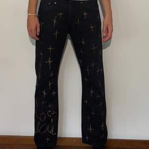 Size 34, custom lmk