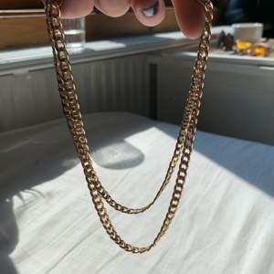 dubbel halsband från hm <3 köpare står för frakt på 24kr