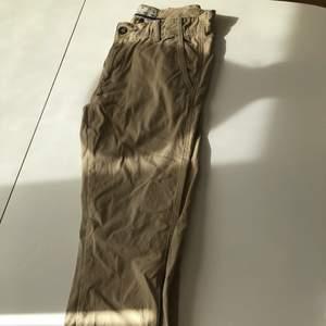 Beiga jeans från the chino