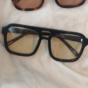 Solglasögon från Corlin Eyewear i influencer-populära modellen Gela Yellow. Helt nya, nypris 799 kr.