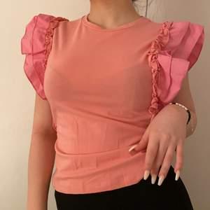 Mycket bra skick, fin rosa färg.😊