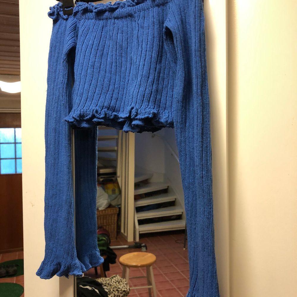 Blå croptop från Madlady, så fin blå färg! 💙. Toppar.