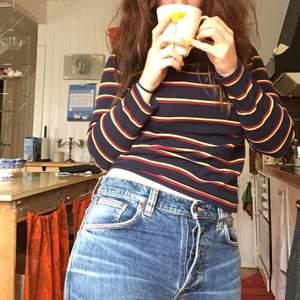 Jeans från Nudie med knappgylf. Knappt använda!
