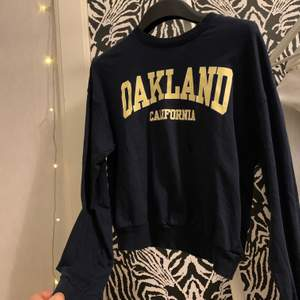 Supersnygg collage sweatshirt i storlek xs, använd typ 3 gånger ❤️