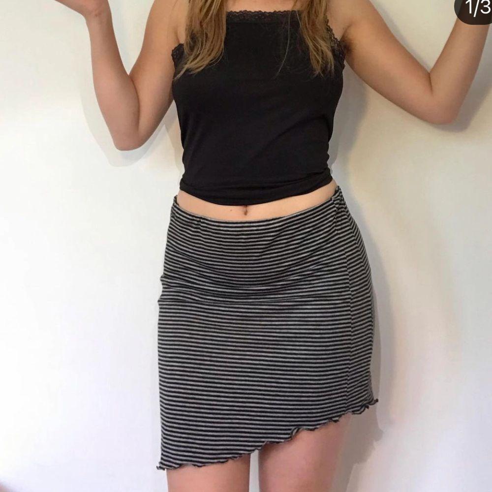 Så mysig och fin kjol! Har sytt själv gå in på min ig Fillofix för mer info. Väldigt stretchig . Kjolar.
