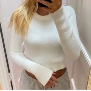 Lägger ut denna tröja igen pga vinnaren av budgivningen svarade inte. Om man lägger ett bud måste man köpa den!!!!! Det är bara att höra av er om ni vill ha fler bilder eller diskutera priset. Köparen står för frakten. (Bilden är lånad)!!!!!