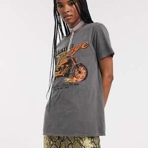 en reclaimed vintage tshirt! 🧡 endast använd ett fåtal gånger! orginalpris: 275kr! köparen står för frakt 📦