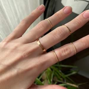 Säljer mina nya oanvända ringar 😄 frakt kostar 12 kr och ringarna kostar 30 kr för alla ❤️ ett riktigt kap 😉😉😉