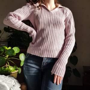 Fantastiskt fin tröja från 80-talet. 🌸💎🦋 I 100% bomull och i fint vintage skick. Passar en S-L. Jag har storlek S. Först till kvarn! 💫+frakt 66kr
