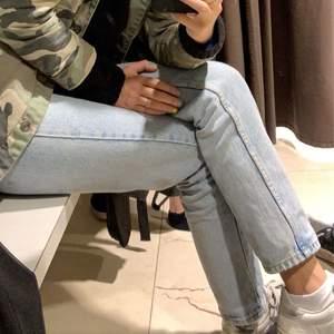 Jeans från zara i en sååå fin ljusblå färg.