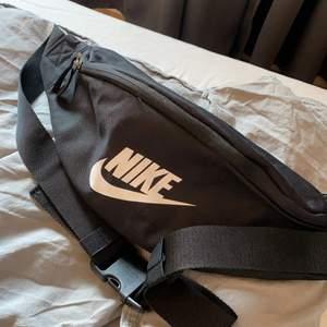 Nästan helt oanvänd väska från nike!