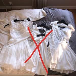 En oanvänd klänning från Nelly (vänster), och en använd en gång från bubbelroom (höger). Perfekt till student eller skolavslutning! Hör av er för bilder på specifik klänning. 180 kr/styck. Frakt tillkommer:) Mitten såld