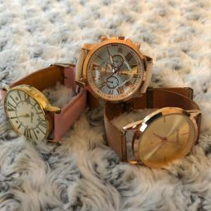 Klockor som kostar 20kr st eller alla 3 tillsammans för 50kr + frakt💕