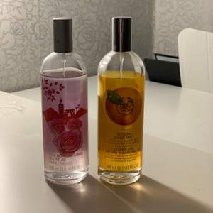 Två stycken parfymer! De luktar super gott!🥰 ni ser på bilden hur mycket de är använda!