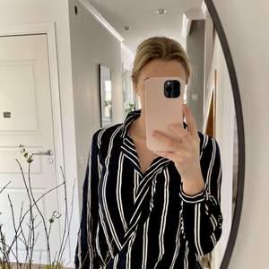 Randig blus från Zara, använd få gånger