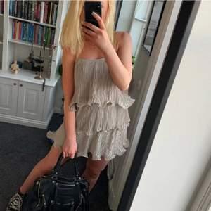 Supersnygg klänning från H&M i storlek S💖