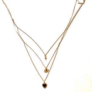 Köpte detta halsbandet på Hm för inte så länge sedan, men har ångrat mig nu. Tror jag köpte den för 100kr, men säljer för 50kr.