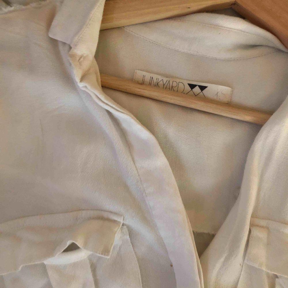 sjuuukt snygg skjorta från JUNKYARD🤤 väl använd men märks inte!. Skjortor.