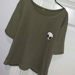 Grön cool tshirt, super skön. Vet inte vart ifrån. Knappt använd å bra skick. Säljer för 25kr +frakt