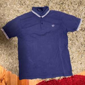 fred perry drippen size m passar s