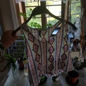 Färglatt linne, superfint nu till sommaren!!! PRIS KAN DISKUTERAS, frakt tillkommer! 💗🧡💛🧡💕💙💚