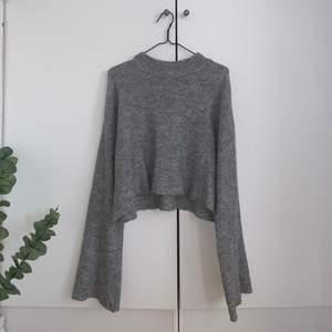 Grå stickad tröja från h&m i Stl S, kommer inte till användning. Köparen står för frakten☺️