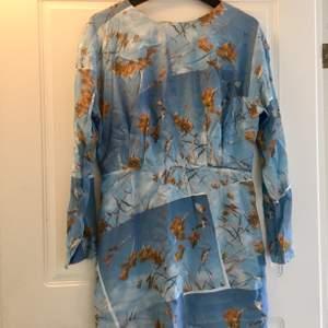 Fin, oanvänd klänning från & Other Stories köpt i Paris.