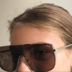 Kylie jenner quay australia solglasögon oanvända. Nypris 650kr