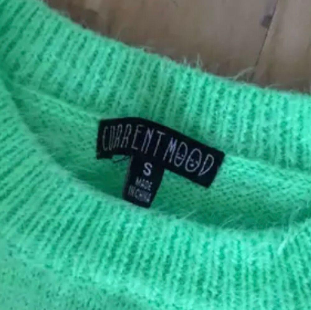 Skitsnygg stickad tröja från Current mood, endast använd 1 gång (frakt 50kr). Stickat.