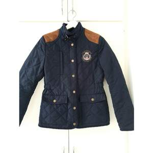 Dark Blue Lexington Jacket. Have only used it twice. Condition is new! Size S. Feel free to try it own before making any decisions :)