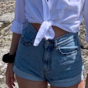 Snyggaste jeansshortsen från Stay. Säljer dem pga att de inte passar, nyskick.