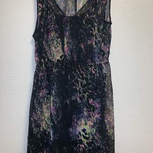 Jättefin klänning från Vero Moda. Knappt använd.