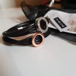 Armband. Nyskick. Nypris 299 kr.