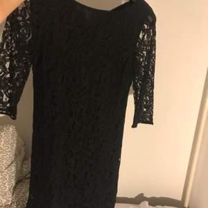 Fin klänning till en fest. Från lindex. Säljs bara i Helsingborg