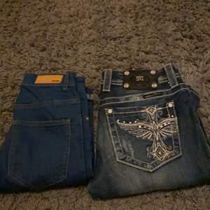 Säljer dessa två super snygga jeans! Bik bok jeansen är andvända ett fåtal gånger då dom var för korta, säljer miss me jeansen för dom var förstora så dom är okså andvända ett få tal gånger bik bok jeansen säljer jag för 50 kr + frakt och miss me jeansen för 200 + frakt