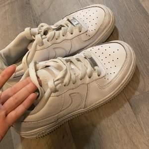 Nike air force väl använda 100kr