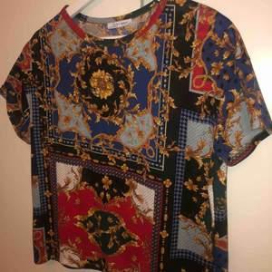 Mönstrad t-shirt fr Zara, korta ärmar