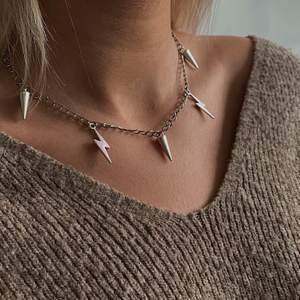 Säljer dessa halsband och smycken till vårat uf företag 💕 69 kr+frakt