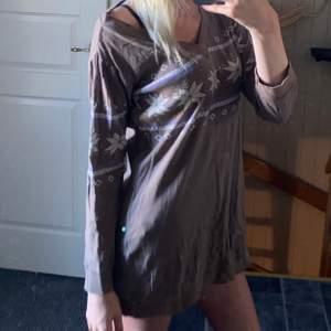 Klänning eller tröja (går att använda som båda) från Ellos i storlek M.
