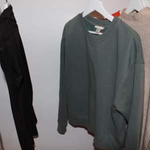 Collage tröja från h&m 🧚🏼♀️köparen står för frakt🧚🏼♀️